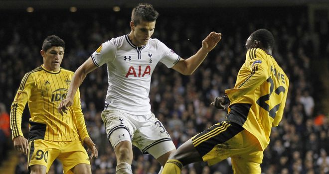 Erik Lamela: His manager is prepared to give him time to settle in London