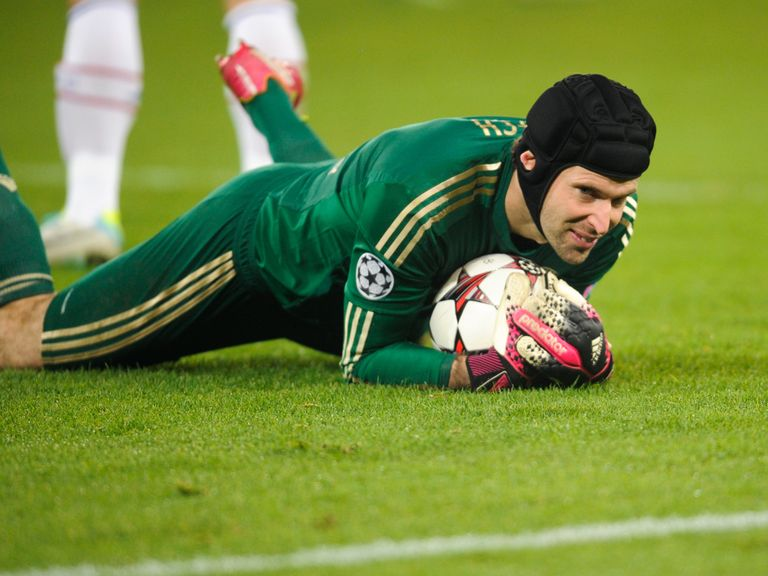 Petr Cech: Wants to boost Blues' clean sheet record