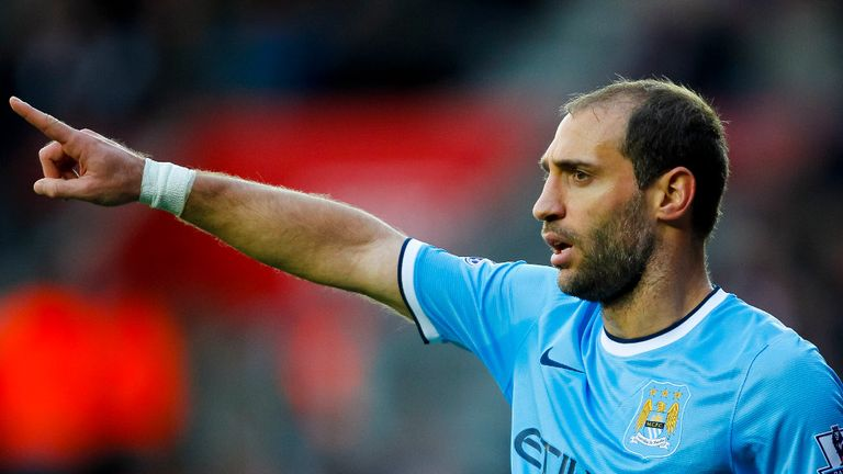 Pablo Zabaleta: No need for Manchester City to panic after Chelsea defeat