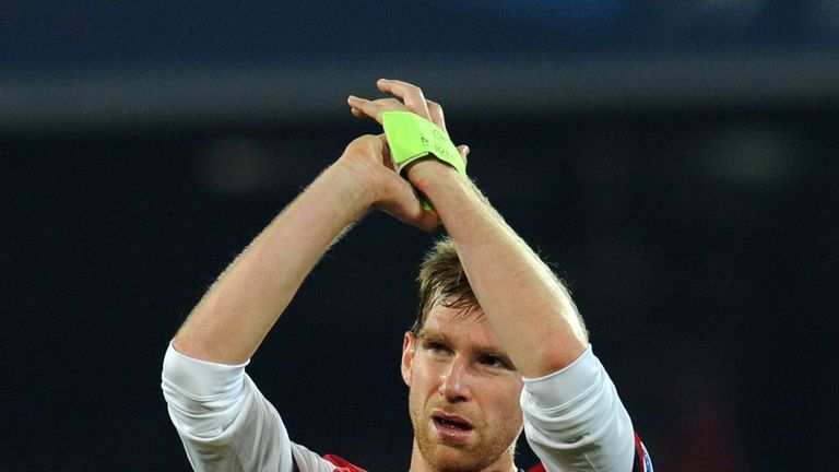 Per Mertesacker: Applauds Arsenal fans at final whistle