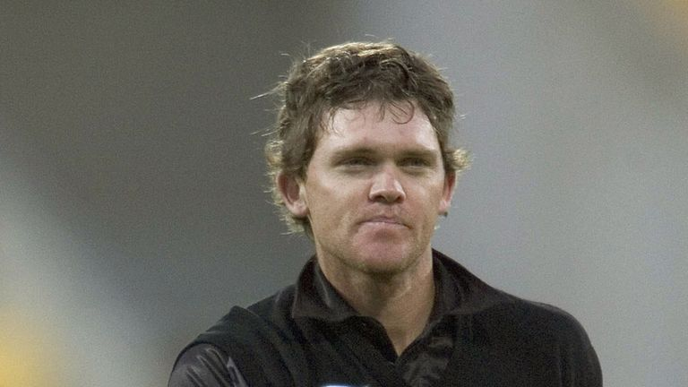 Lou Vincent: Failed to report an approach from a bookmaker