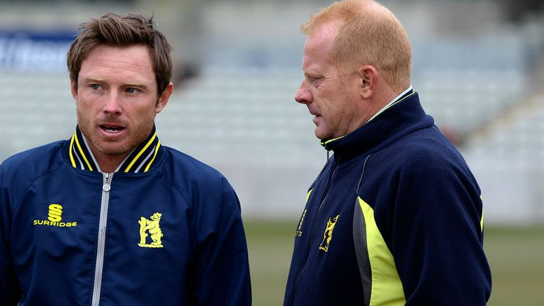 Graeme Welch (right) with Ian Bell at Warwickshire