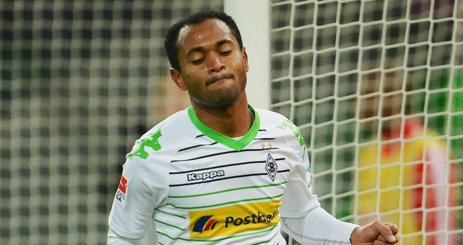 Raffael celebrates his winning goal