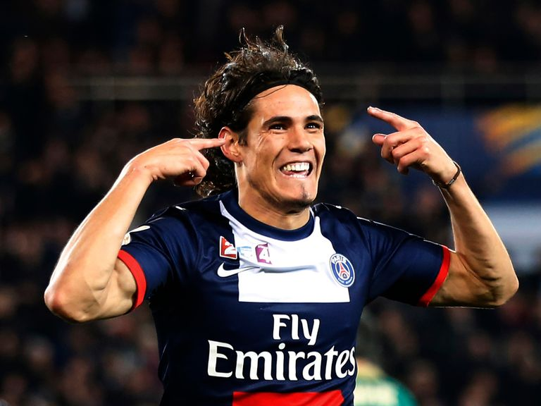 Edinson Cavani celebrates for PSG