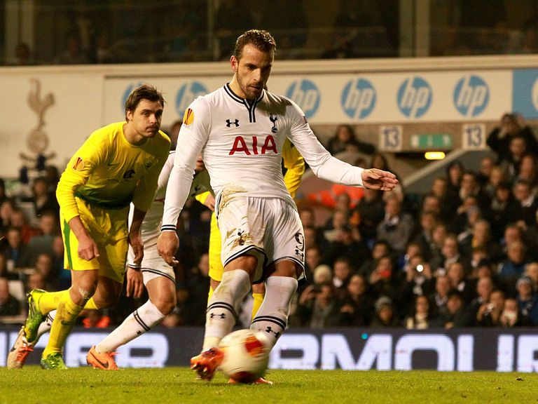 Roberto Soldado completes his hat-trick as Tottenham beat Anzhi 4-1.
