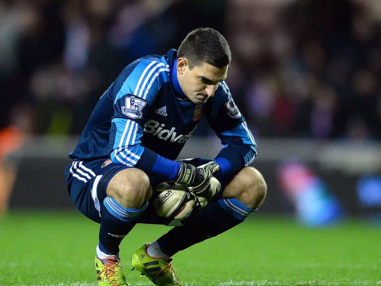 Mannone: Wants his team-mates to take responsibility