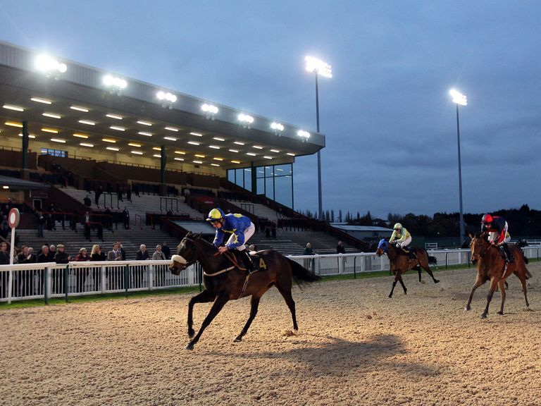 Epic Battle: Can land the feature at Wolverhampton