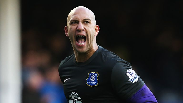 Tim Howard: Does not think Everton will buckle under pressure from Arsenal