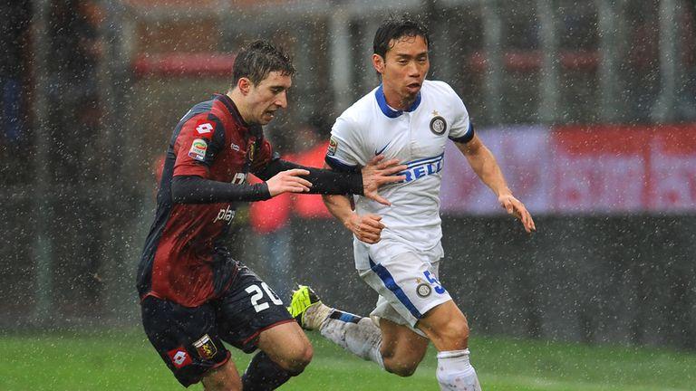 Sime Vrsaljko looks to stop Yuto Nagatomo