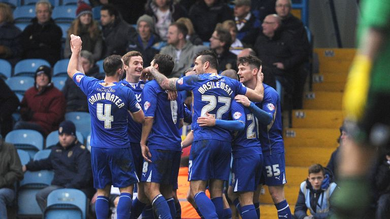 David Nugent (r): Celebrates the winner with his team-mates