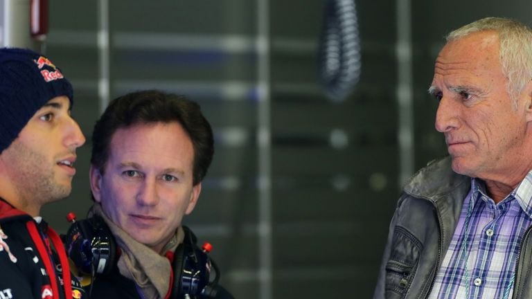 Daniel Ricciardo, Christian Horner and Dietrich Mateschitz in conversation on another disappointing day