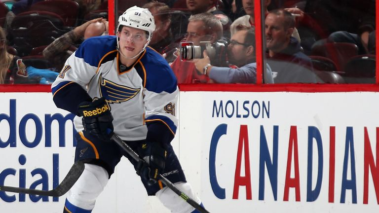 Vladimir Tarasenko: A goal and an assist in the Blues' win