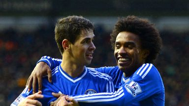 Willian (r): Enjoying life in the Premier League