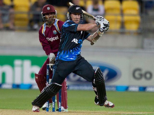 Luke Ronchi powered New Zealand to victory