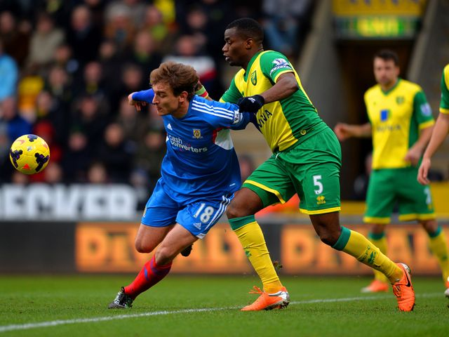 Nikica Jelavic in action on his Hull debut.