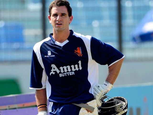Ryan ten Doeschate: Helped see the Knight Riders over the line with two balls to spare