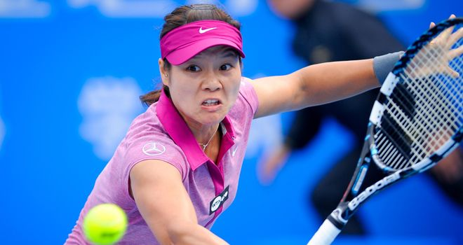 Li Na was rarely troubled as she saw off Germany's Annika Beck 6-1 6-3