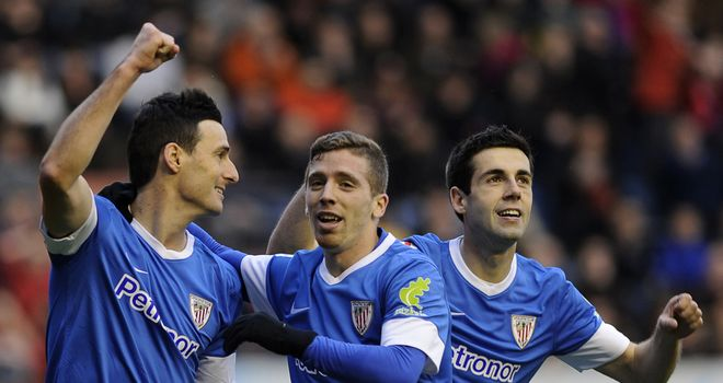 Athletic Bilbao celebrate Aritz Aduriz's goal