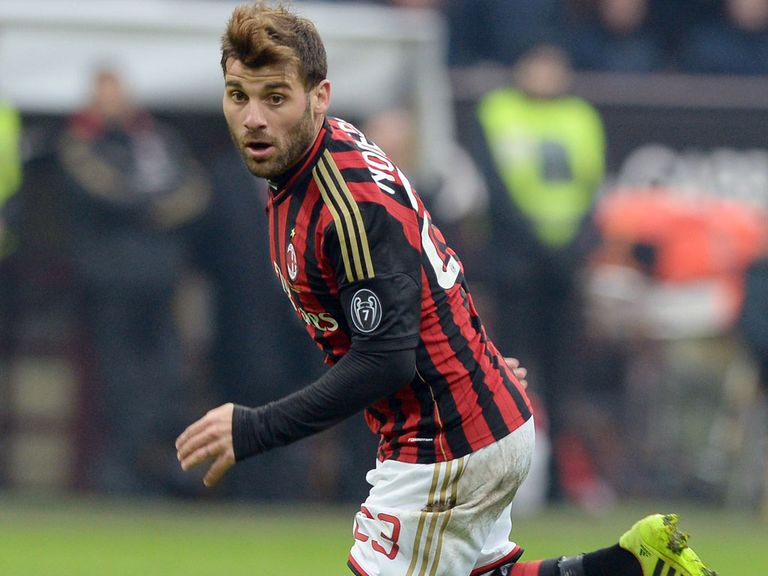 Antonio Nocerino: Loan move to West Ham
