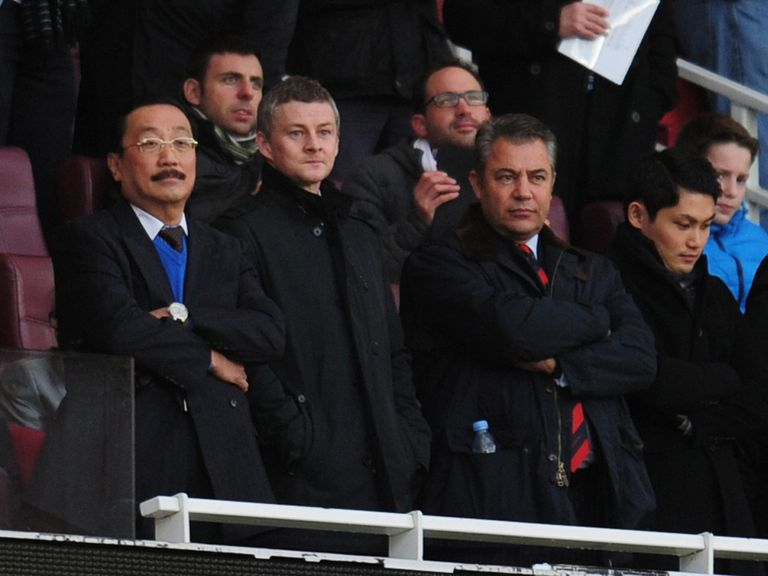 Ole Gunnar Solskjaer at Arsenal v Cardiff