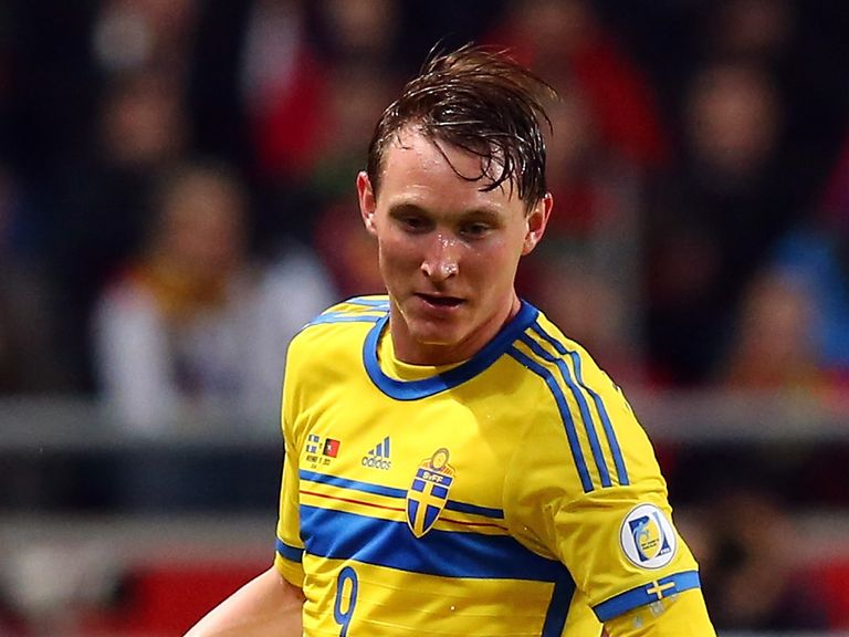 Kim Kallstrom: On loan at Arsenal for the rest of the season