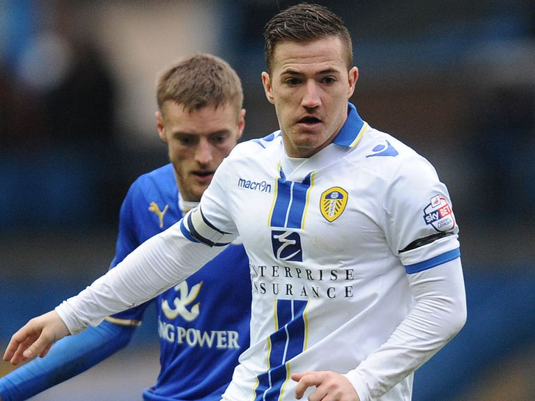 Ross McCormack: Staying at Leeds
