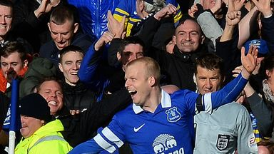 Steven Naismith: Praised by Everton boss Roberto Martinez