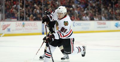 Blackhawks win to draw level