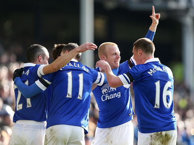 Steven Naismith was forced off through injury after scoring