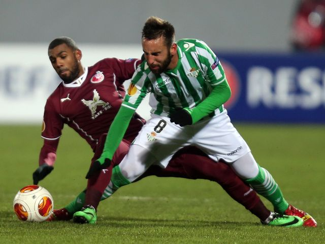 Yann M'Vila and Nono tangle