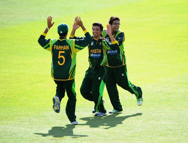 Zafar Gohar (centre): Steered Pakistan to victory with the bat