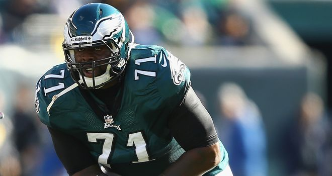 Jason Peters: The Eagles tackle signs a new five-year contract