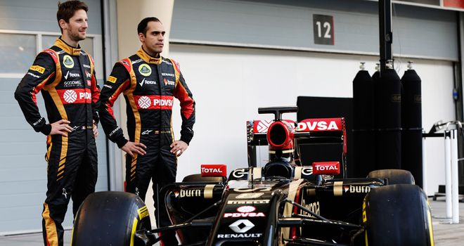 Romain Grosjean and Pastor Maldonado with the E22
