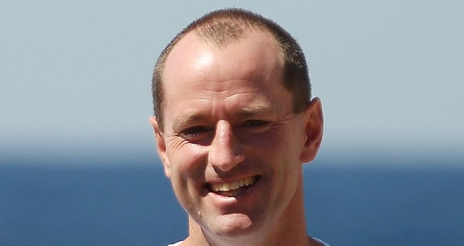 Michael Maguire: New deal keeps him at South Sydney until end of 2017 season