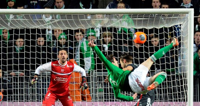 Saint Etienne's Benjamin Corgnet has an attempt on goal