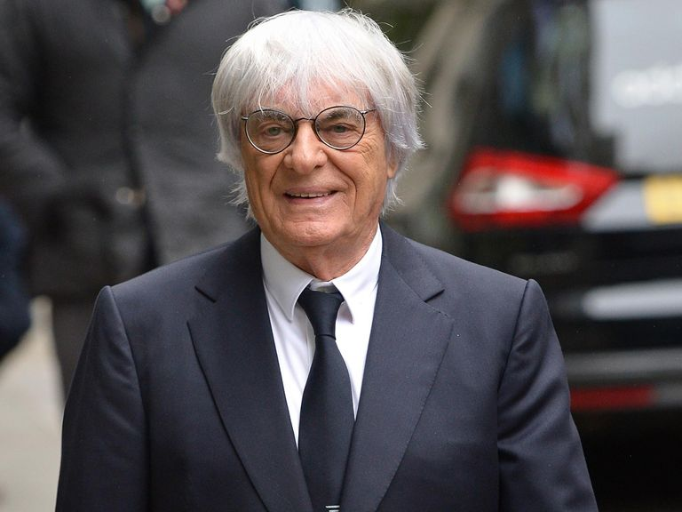 Ecclestone: 'Everybody is complaining'