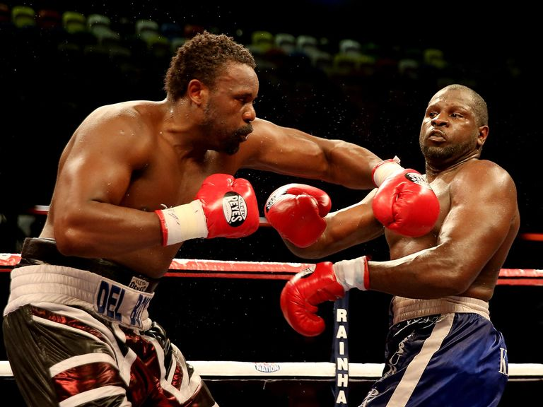 Dereck Chisora lands on Kevin Johnson