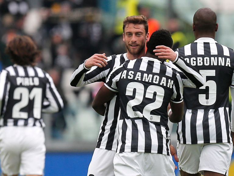 Juventus celebrate against Chievo