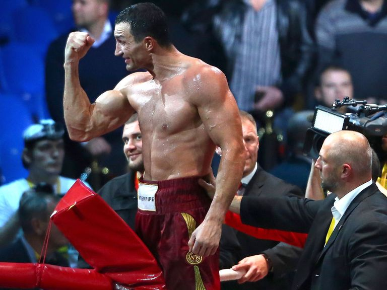 Wladimir Klitschko knocked out Alex Leapai in the fifth round