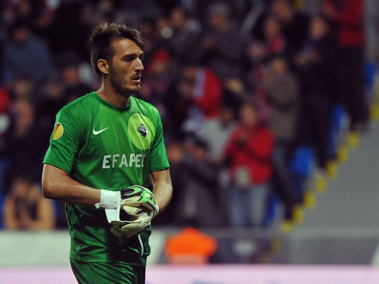 Ricardo: Academica keeper in demand