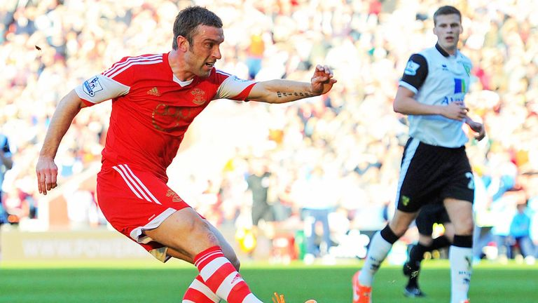 Rickie Lambert: Southampton striker belives the team can push towards the top four