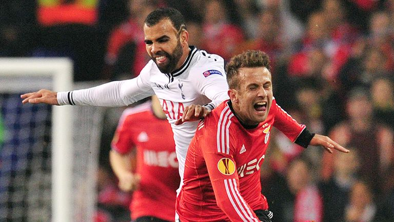 Sandro: Vies with Benfica's Miralem Sulejmani