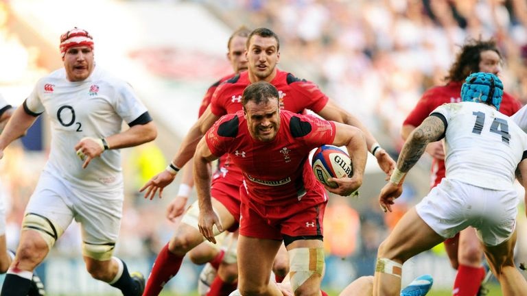 Jamie Roberts tries to kick-start Wales at Twickenham