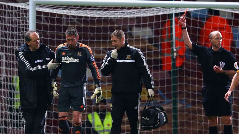 Allan McGregor: Hull goalkeeper hobbles off at West Ham