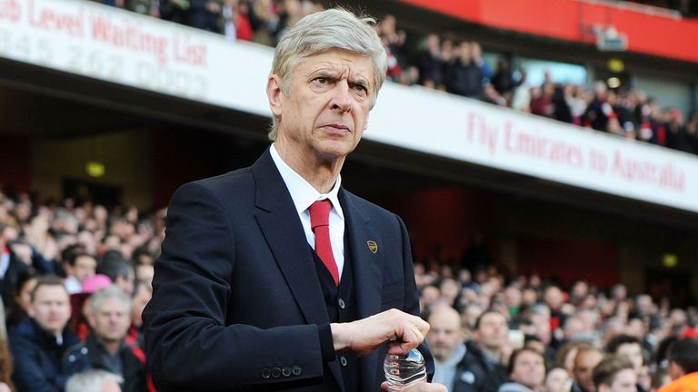 Arsene Wenger: Arsenal boss expects to extend stay