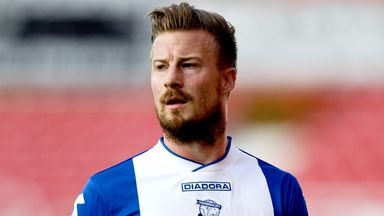 Wade Elliott: Extends loan at Ashton Gate