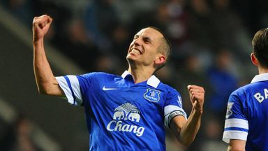 Leon Osman: Believes current Everton side are 'pleasing on the eye'