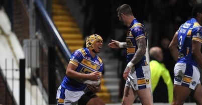 Rhinos run away from Salford
