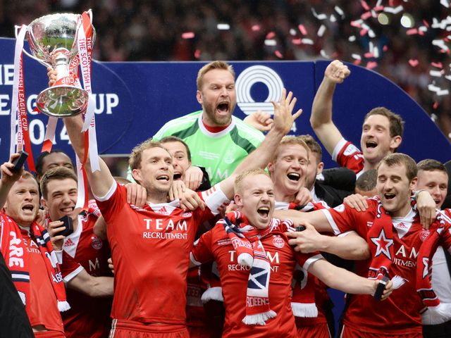 Aberdeen celebrate winning the Scottish League Cup