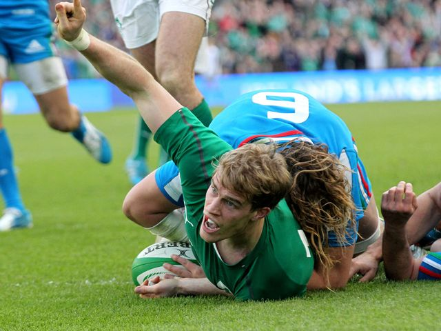Andrew Trimble scores for Ireland